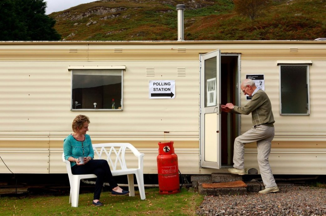 scotland caravan polling station